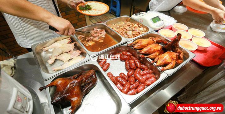 canteen-dh-cong-nghe-hang-chau-12