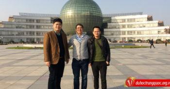 Lãnh đạo công ty Vinahure vinh dự đến thăm Đại học Kinh tế – Tài Chính Nam Kinh