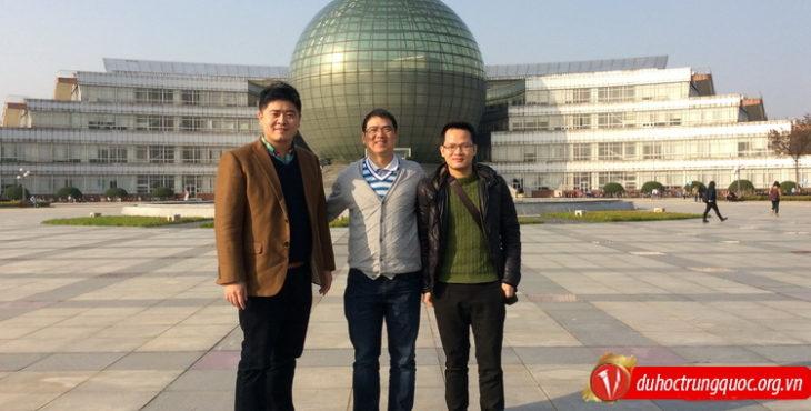 Lãnh đạo công ty tư vấn du học Vinahure vinh dự đến thăm Trường đại học Kinh tế và Tài Chính Nam Kinh